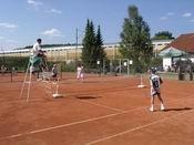 Auf dem Ronshäuser Tennisplatz